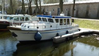 Yacht-Pedro-Donky-mieten-Boot-chartern-01