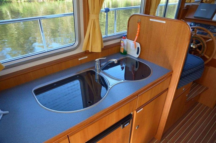 Yacht-Pedro-Donky-mieten-Boot-chartern-08